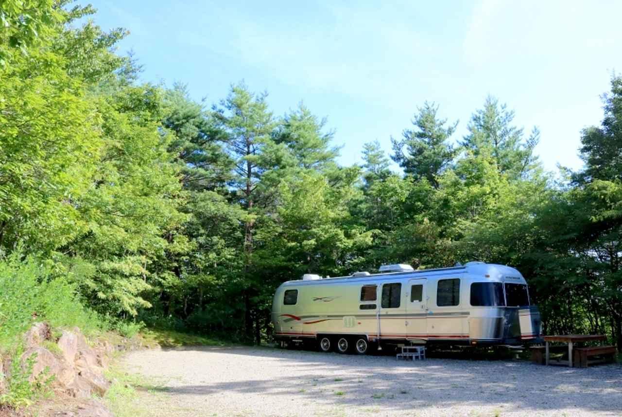 画像2: プライベート空間でアウトドア体験! USAトレーラーハウス泊可能な関東おすすめキャンプ場5選