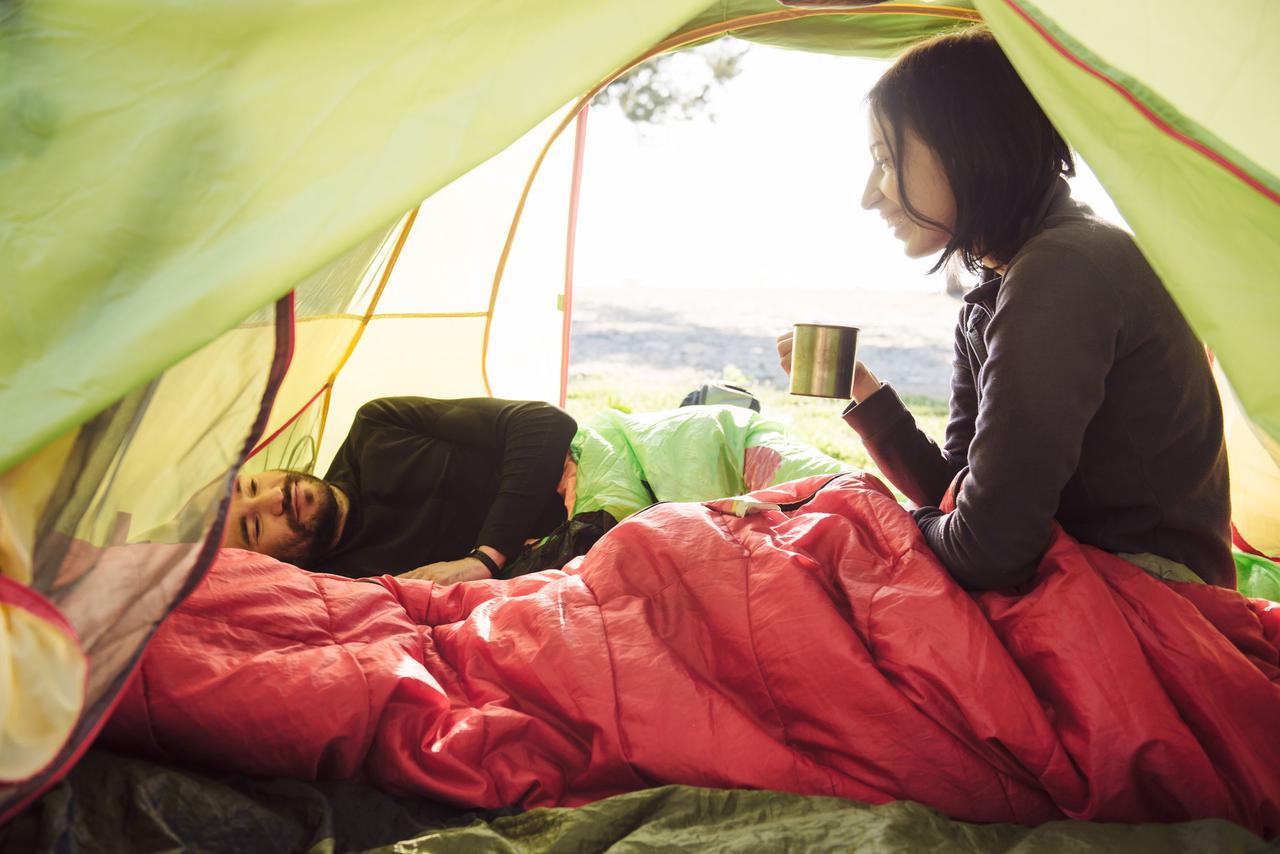 【エアマット】キャンプ・登山でのテント泊や車中泊など用途に合わせた選び方とおすすめ商品3選!
