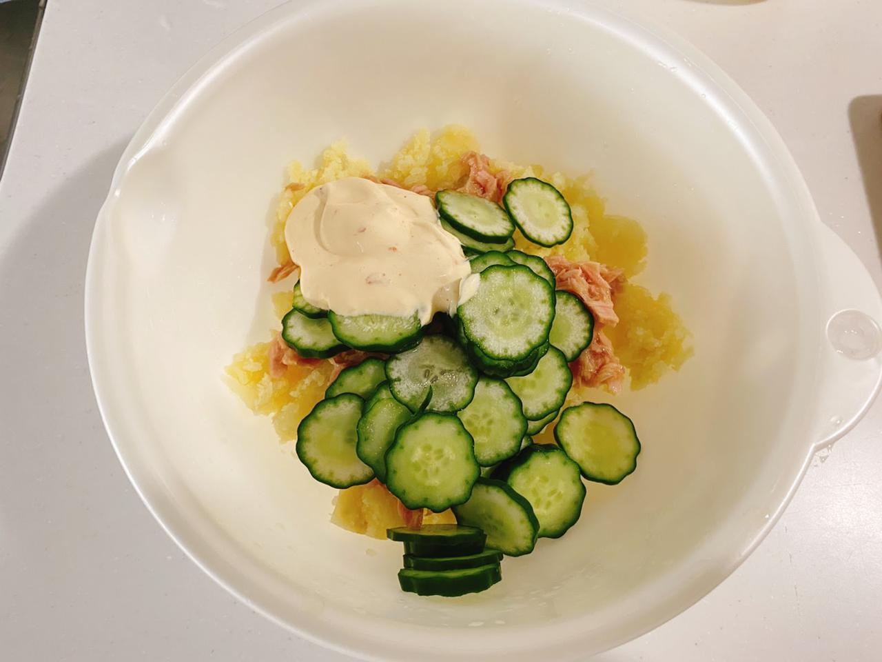 画像: きゅうりとツナのピリ辛ポテトサラダの作り方