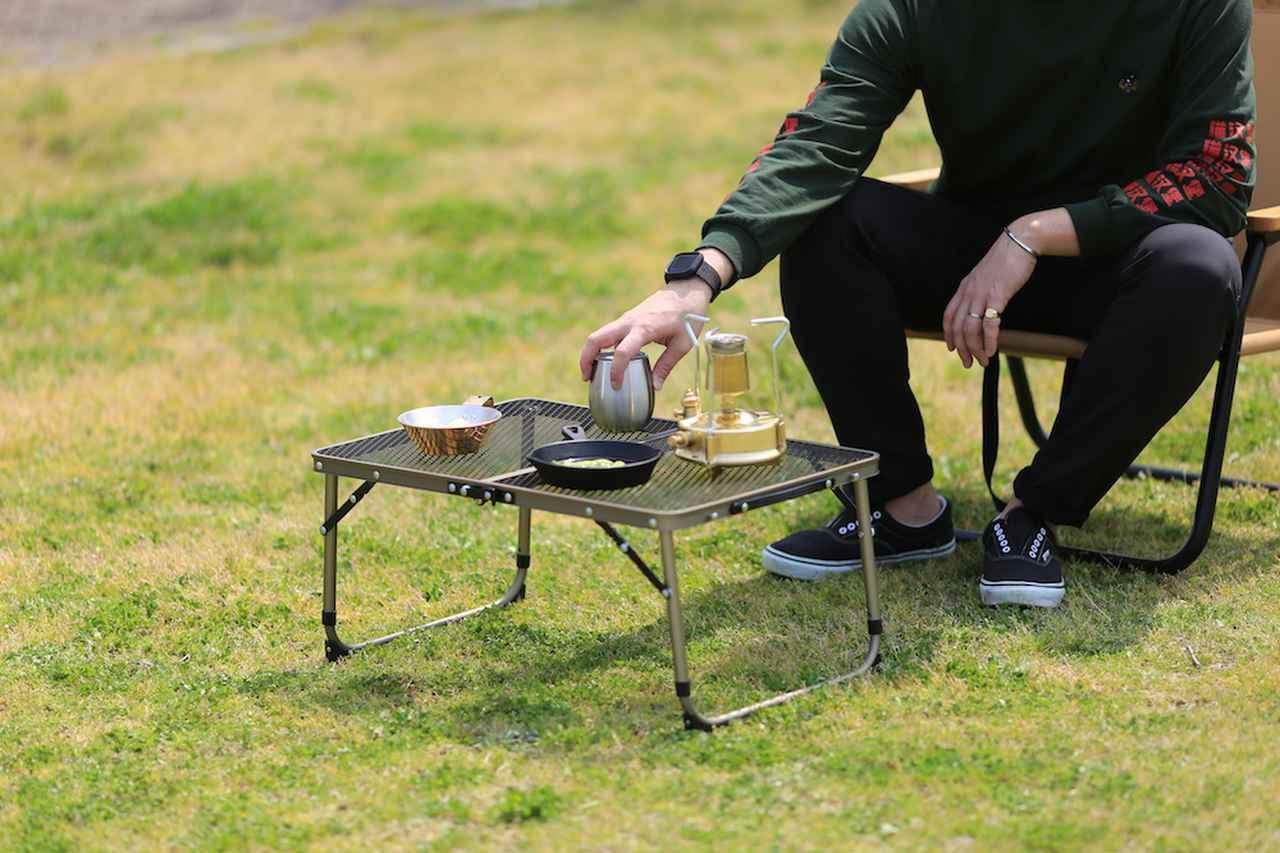 【注目リリース】「QUICKCAMP(クイックキャンプ )」から250度までOKな耐熱性と使い勝手を兼ね揃えたフルメッシュの折りたたみ式アウトドア用テーブルが登場!