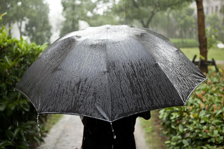 【傘★最新情報】アウトドアブランドの傘は日常使いでも有能!梅雨に活躍するおすすめアウトドアブランド傘6選