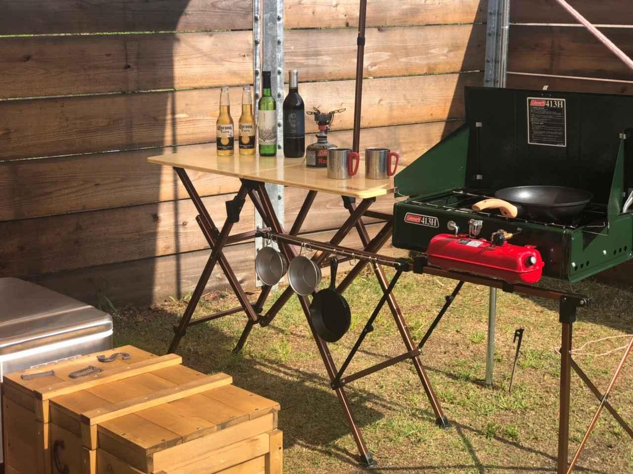 【レビュー】 コールマン「ワンタッチキッチンテーブル」 機能性抜群&簡単設営!キャンプの調理が楽々