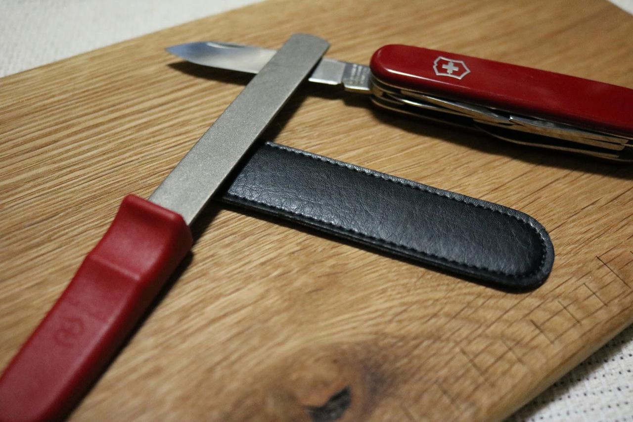 ナイフやマルチツールの切れ味を復活! ビクトリノックスの『ダイヤモンドシャープナー』をレビュー