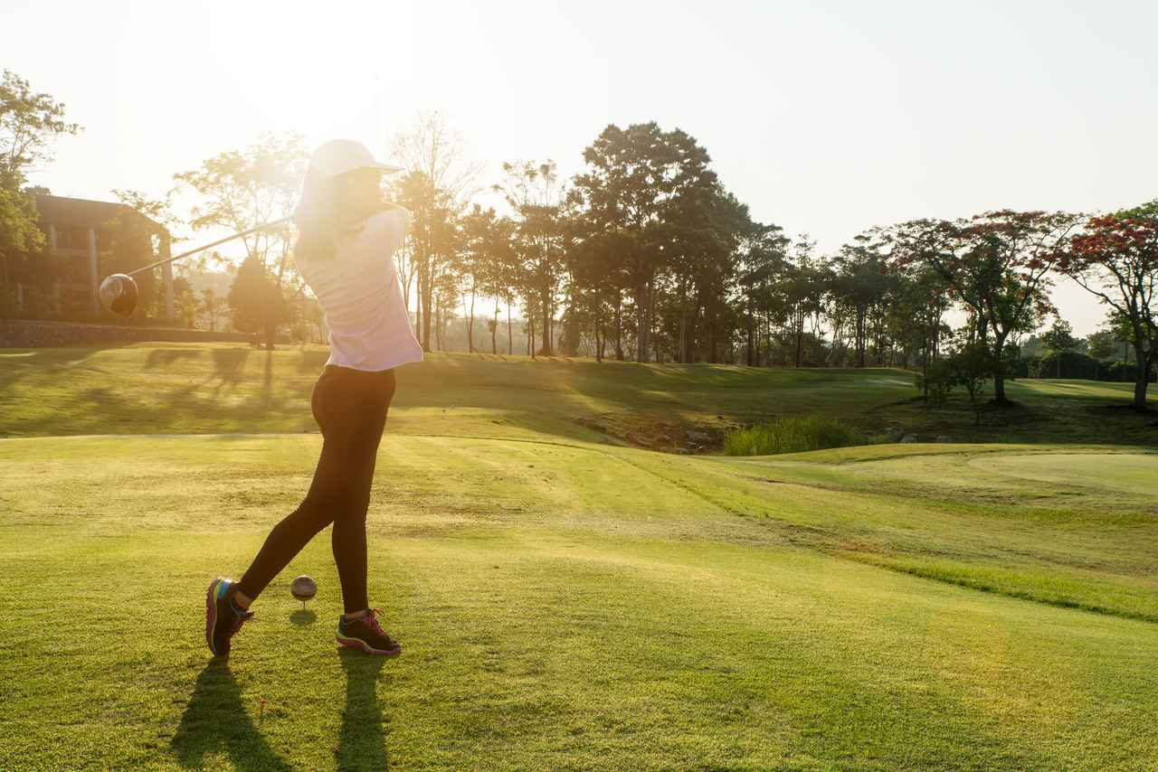 キャンプ×ゴルフで自然と一体に!ゴルフも楽しめるキャンプ場やコース上でキャンプを楽しめる最新のサービスを紹介!