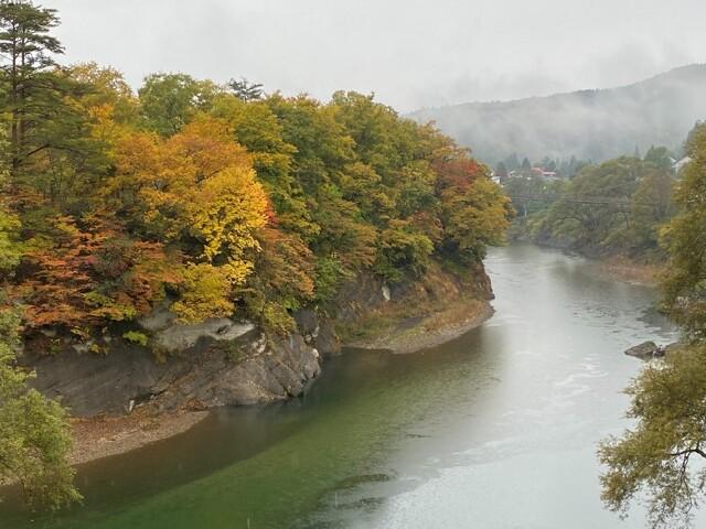 錦秋湖湖畔巻淵の写真